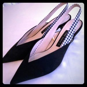 Zara Basics - Black & White kitten 🐱 heel pumps